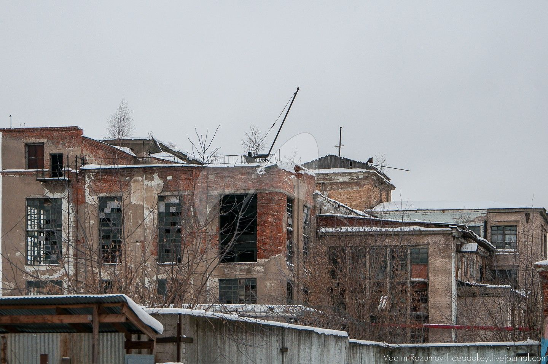 Восточный флигель, комплекс зданий старых корпусов Купавинской тонкосуконной фабрики, где с 1894 по 1917 годы проходили революционные выступления рабочих