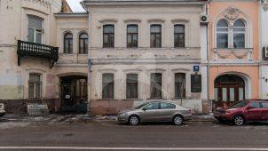 Дом жилой, 1864 г., арх. И.С. Каминский. В этом доме жил Демьян Бедный (Ефим Алексеевич Придворов)