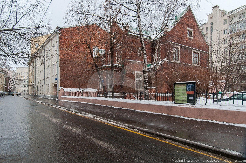 Дом капеллана, 1894 г. арх. Б.В. Фрейденберг, ансамбль Англиканской церкви