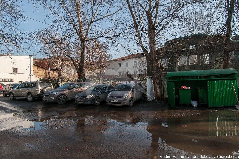 Городская усадьба Чернцовой-Варгиных-Барановых, XVIII-XIX вв. Здесь в 1850-х гг. бывал Л.Н.Толстой
