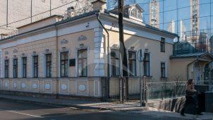 Дом, в котором в 1867-1879 гг. жил Свистунов Петр Николаевич после вовращения из ссылки и в 1912-1947 гг. — Щусев Алексей Викторович