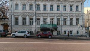 Главный дом, XVIII-XIX в. (в основе — палаты рубежа XVII-XVIII вв.), городская усадьба