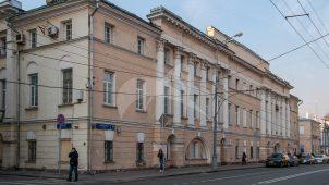 Главный корпус Пречистенской пожарной части (в основе жилой дом Н.И. Ртищева, А.П. Ермолова), 1764 г., 1800-е гг., 1817-1820-е гг., 1835-1836 гг., архитектор М.Ф. Казаков (?)>