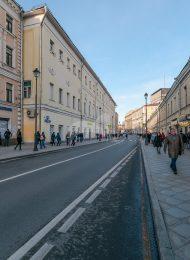 Малороссийское подворье, XVII-XVIII вв. Надстройка 3 этажа и оформление уличного фасада начала XIX в.