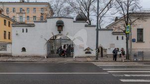 Ограда с воротами, ансамбль Марфо-Мариинской обители, начало ХХ вв.