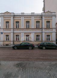 Главный дом городской усадьбы, 2-я половина XVIII — начало XIX вв. Жилой дом Медынцева-Ремизова, XIX в. В этом доме 24 июня (6 июля) 1877 г. родился писатель А.М. Ремизов