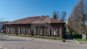 Здание, в котором 13 июня 1913 г. на IV уездном съезде большевиков выступал видный партийный и государственный деятель Калинин Михаил Иванович