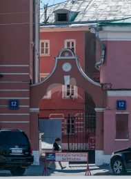 Арка ворот, церковь Ивана Богослова под Вязом
