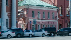 Дом, церкви Ивана Богослова под Вязом