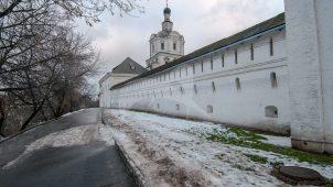 Сохранившиеся части стен и башен, XVII-XVIII вв., ансамбль Андроникова монастыря