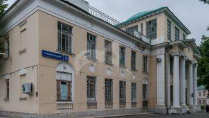 Хирургический корпус 2-й Градской больницы, 1927 г., арх. И.А. Иванов-Шиц,  В.А. Ганешин