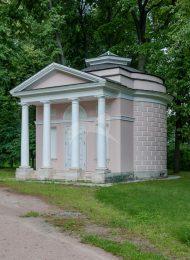 Беседка-храм (фрагменты деревянного фундамента, XVIII-XIX вв.), усадьба «Останкино»