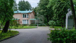 Дом, в котором в 1959-1966 гг. жил Главный конструктор космических кораблей С.П. Королев (дом-музей)