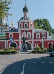 Надвратная церковь Зачатьевского монастыря, XVII в., ансамбль Зачатьевского монастыря
