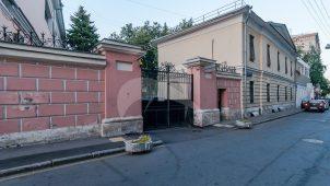 Ограда и ворота по Мансуровскому пер., усадьба А.И. Морозова