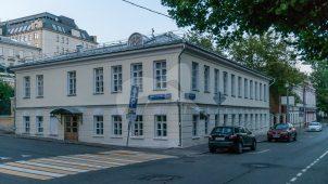 Дом сестер Л.М. и А.М. Ильинских. Здесь в 1831 г. у своего друга П.В. Нащокина жил А.С. Пушкин (памятное место, главный дом воссоздан)