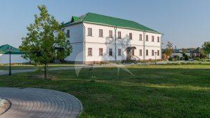 Корпус келейный с живописной мастерской, ансамбль Аносино-Борисоглебского монастыря