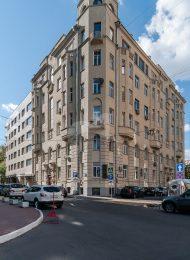 Доходный дом В.В. Кандинского, 1913 г., арх. Д.М. Челищевым. В этом доме, в одной из квартир с 1915-1921 гг. жил и работал художник В.В.Кандинский