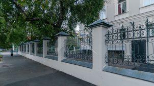 Ограда с воротами, комплекс зданий Психиатрической клиники им. А.А. Морозова