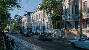 Дом жилой, 1880-е, 1970-е гг., арх. Гаудринг П.И. Здесь в 1917-1925 гг. жила актриса Федотова Г.Н.