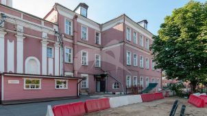 Здание духовной семинарии у западных ворот, 1734 г., 1873 г., ансамбль Донского монастыря