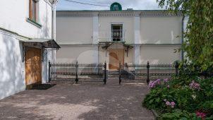Служебный корпус, ансамбль Даниловского монастыря