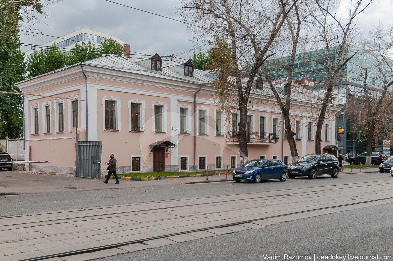 Главный дом, усадьба купца Перегудова, в основе палаты 1690-х гг., перестройка во второй половине XVIII в.