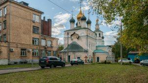 Церковь Троицы в Кожевниках, 1685-1687 гг., арх. И.П. Зарудный. Колокольня, 1718 г.