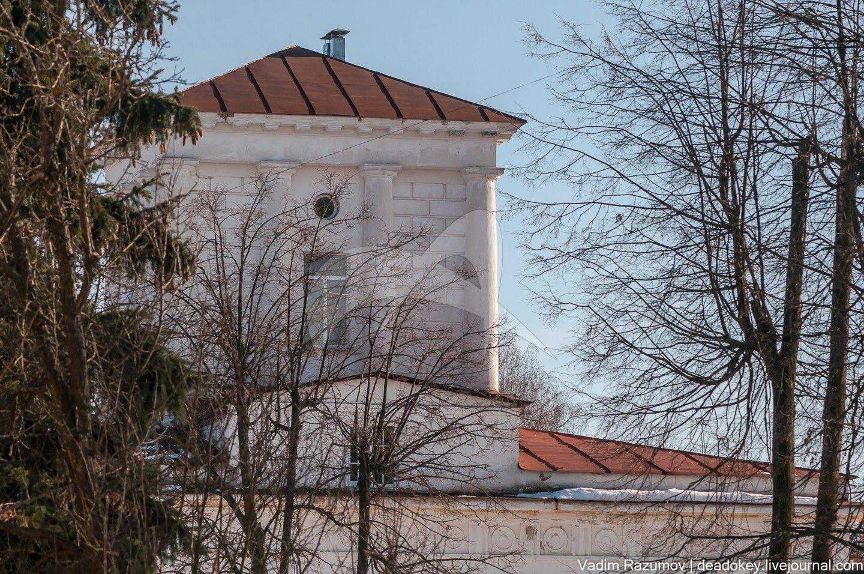 Здание казарм конного полка, начало XIX в., арх. В.П. Стасов (?)