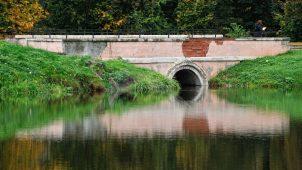 Малый мост, Ансамбль усадьбы Марфино