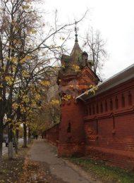Ограда с воротами и башнями, 1879-1899 гг., Троицкий-Мариинский монастырь