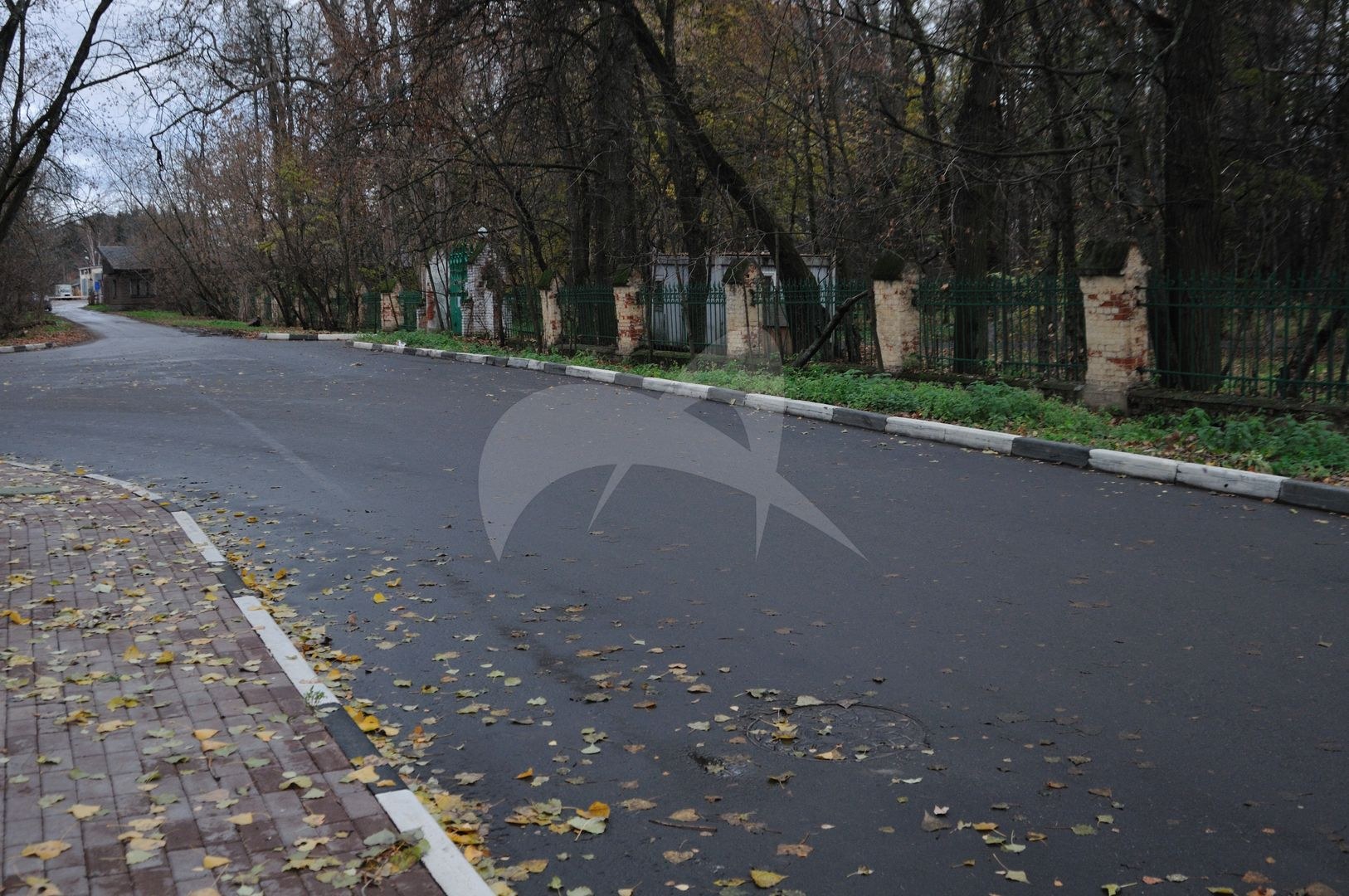 Парк, усадьба С.Т.Морозова «Успенское», в которой в 1897г. жил художник Левитан Исаак Ильич и бывал писатель Чехов Антон Павлович