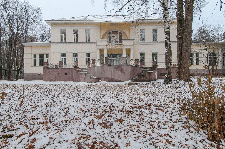 Главный дом с домовой церковью, 1910-е гг., санаторий Г.А. Каратаевой
