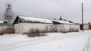 Каретный сарай, Ансамбль Бобренева монастыря, ХVII-ХVIII вв.