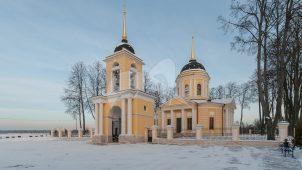 Надвратная колокольня, 1795-1796 гг., арх. Бабакин, ансамбль церкви Рождества Богородицы