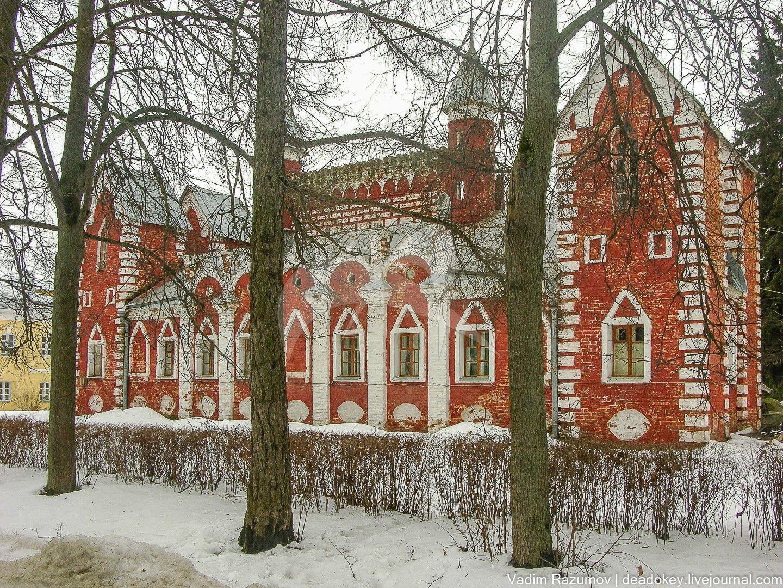 Служебные корпуса № 1 (с башней), усадьба Суханово, ХIХ в.