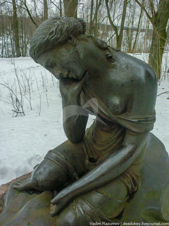 Фонтан «Разбитая ваза», усадьба Суханово, ХIХ в.