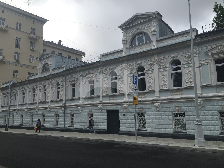 Жилой дом, конец XVIII в., 1817 г., 1859 г., 1875 г., арх. А.Е. Вебер
