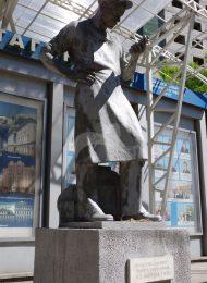 Памятник «Рабочий», 1925 г., ск. Н.А. Андреев, бетон