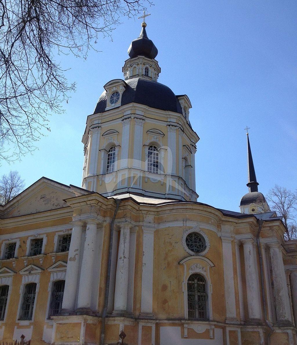 Церковь Спаса Нерукотворного с колокольней, 1752-1762 гг., по проекту К.И. Бланка (?), усадьба «Вороново», XIX в.