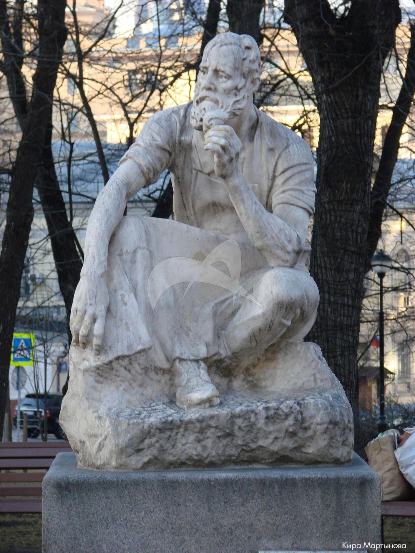 Памятник рабочему-сезоннику, 1929 г., ск. И.Д. Шадр, гранит, мрамор