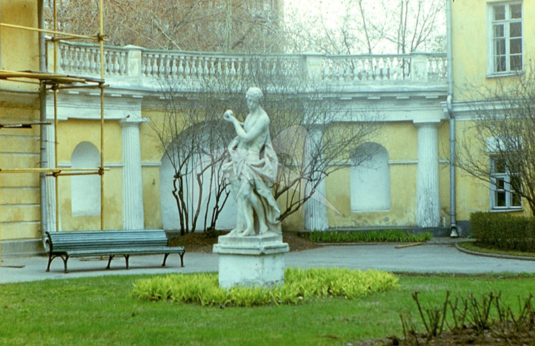 Памятник Парис и Елена, XVIII век, ск. Франческо Томеццоли, мрамор