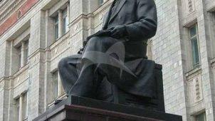 Памятник А.Г. Столетов, 1954 г., ск. С.И. Селиханов, бронза, гранит